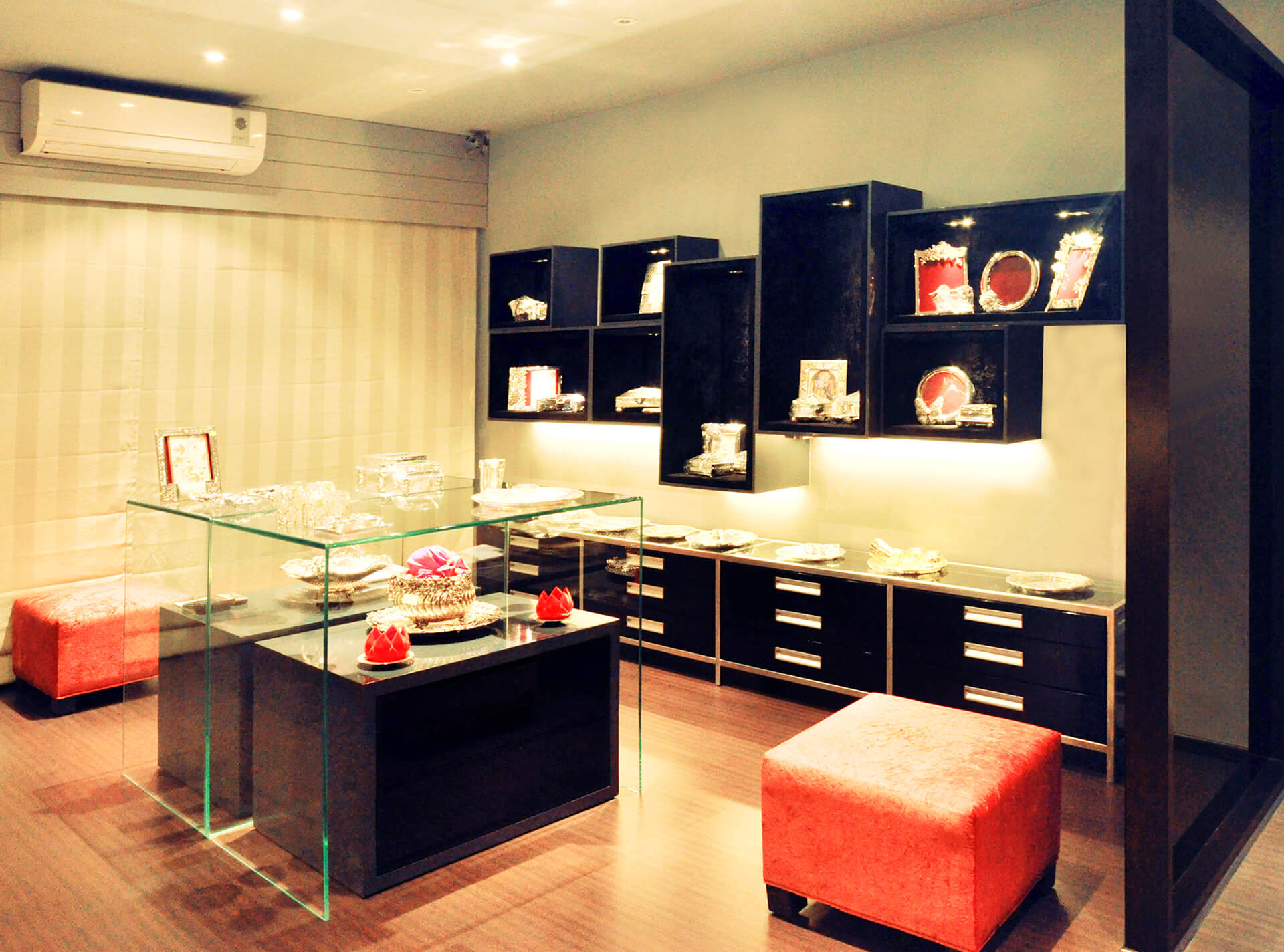Store at Prabhadevi